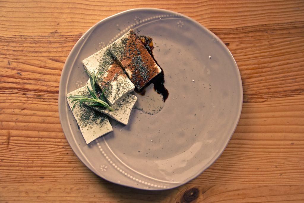 Foto de plato de tofu
