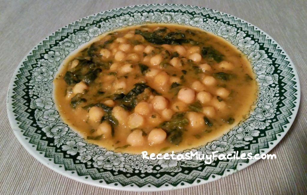 Foto receta garbanzos con espinacas
